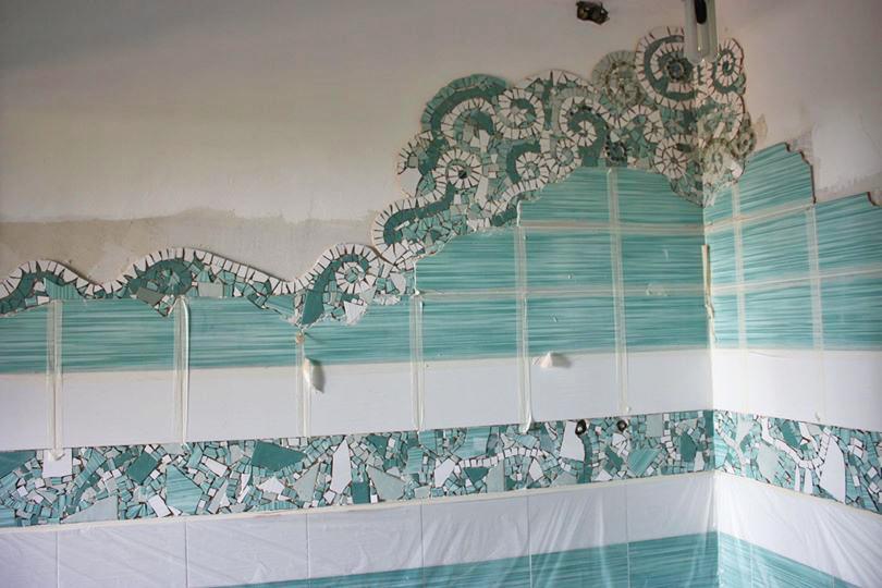 I mosaici di piastrelle di chiara idee per un bagno low - Costo piastrellista ...